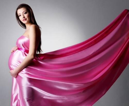 Отличия платьев для беременных от обычных нарядов