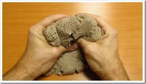 Превращение смеси в кинетический песок