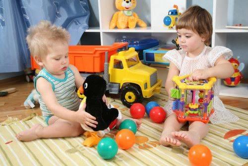 Какую игрушку купить ребёнку