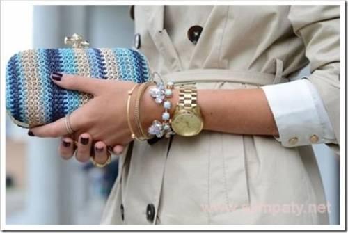 Различные варианты ношения серебряных браслетов