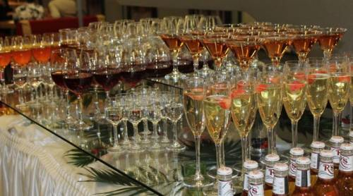 Как рассчитать количество алкоголя на банкет