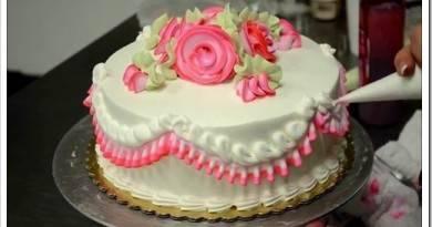 Возможные способы украшения свадебного торта