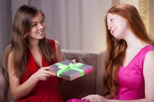 Что подарить подруге с Алиэкспресс