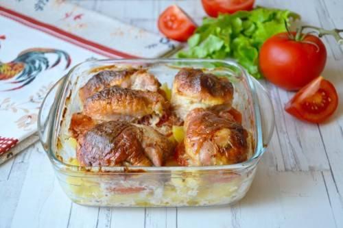 Картофель с куриным мясом в духовке