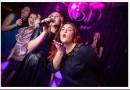 Что можно спеть в караоке девушке?