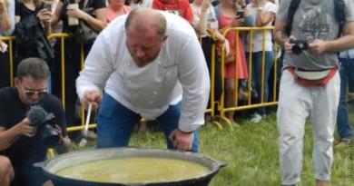 Подборка рецептов супов от Константина Ивлева: гороховый, харчо, грибной, луковый, рыбный, куриный и многие другие
