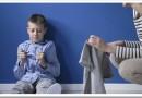 В каком возрасте проявляется аутизм у детей и как помочь ребенку
