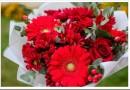 Как собрать красивый букет из роз и хризантем