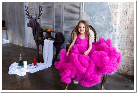 Цвет и фасон наряда для девочки